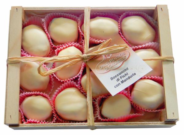 Bocconcini di fichi - Feigen mit Mandeln in weißer Schokolade